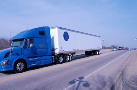 Why Trucking Companies Love to Factor